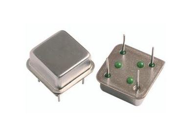 半尺寸有源晶振(dip8)